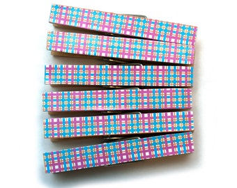 Pink and blue plaid clothespins