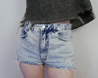90s grungy thrashed acid wash denim short shorts size M