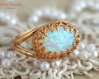 White Opal Ring, Opal gold Ring, Opal Gemstone Ring, October Birth stone, Bridesmaids gift, Opal jewelry, Gold Ring, Dainty Ring, Lace Ring.