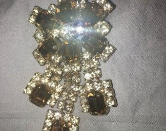 Vintage unsigned SMOKEY quartz crystal ARTICULATED rhinestone GOLD tone brooch