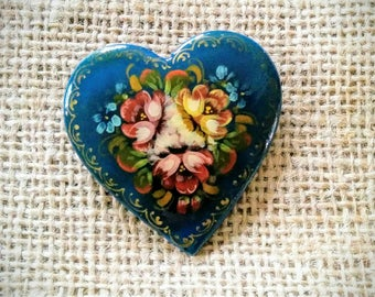Beautiful Vintage Russian Folk Art Hand-Painted Heart Brooch