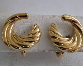 Vintage earrings, signed Trifari swirly leaves clip-on earrings, retro vintage jewelry