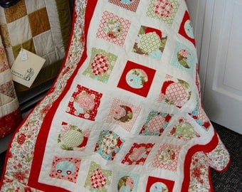 FREE SHIPPING, Bliss Baby Quilt, Little Girl Quilt, Circles and Squares