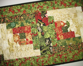 Christmas Table Runner, fabric from Kaufman Holiday Flourish 2016, Log cabin block, quilted