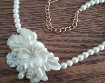 Vintage pearl necklace flowers rhinestones adjustable 50s 60s