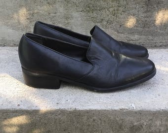 Womens vintage late 90's black leather loafer slip ons size 6 36 by Nine West
