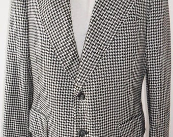 1960s  Vintage black and white houndstooth sport coat