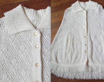Vintage White Wool Cape with Collar
