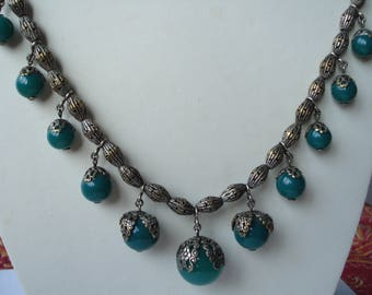Art Deco Necklace Green Glass Beads Unusual Links  1920's 1930's