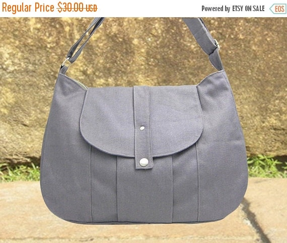 March Sale 10% off gray cotton canvas messenger bag / shoulder bag / everyday bag / diaper bag / cross body bag - 6 pockets