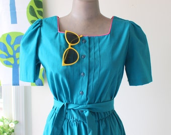 Vintage TEAL 1960s Dress....size small to medium womens...blue dress. 60s dress. spring. pink. designer. retro. mod. knee length. day dress.