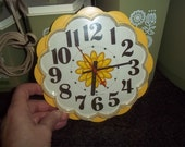 Vintage General Electric electric operated Wall Clock = Yellow Daisy!  - CUTE = Works!