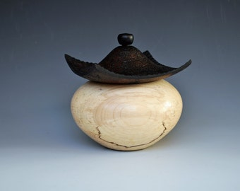 Lidded Vessel in Maple (Pagoda box)
