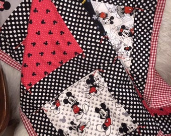 Mickey and Minnie Retro Inspired Quilt