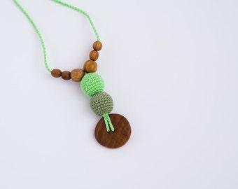 The Best Babywearing Necklace - Green, oak wood