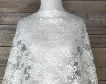 Ivory Lace Tulle Fabric with embroidery Flower Motif Design and scalloped edge. Fashion Apparel, Wedding Dress, Veiling, Special Occasion