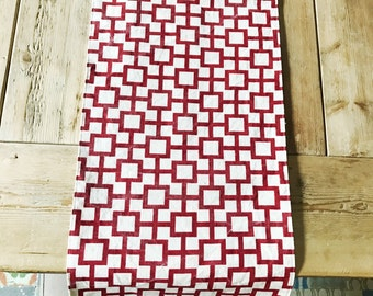 Ready to ship - Long Table Runner: Red and White Squares Linen