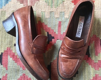 6.5 | 90's Vintage Guess Heeled Loafers