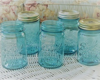 "5 Vintage Lot  Blue Ball Perfect Mason Jars Containers Pint Size 2 4  8 9 Excellent 5 1/4""  Weddings Crafts Showers Canning"
