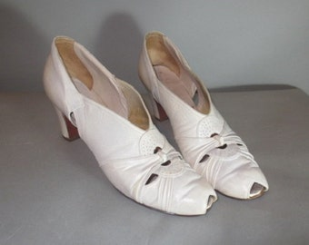 1930's-40's Women's Shoes // RICE O'NEILL White 1930's Shoes // Open Toe White Shoes...9aaaa
