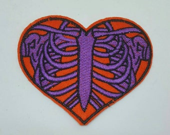 1 pc Anatomy Love Heart Embroidered Applique Patches. Iron On or Sew On Badges. for T-shirts, Jeans, Shirts 83mm wide - Red and Purple