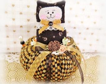 Halloween Cat Pincushion 4 inch, Fall Autumn Pin cushion Cat Primitive Cloth Doll Kitty Decoration Soft Sculpture Folk Ar