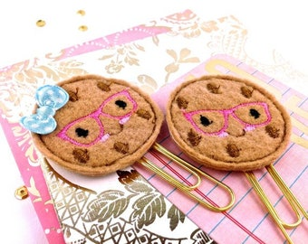 Chocolate Cookie Felt Planner Paper Clip | Felt Food book marker, Cute Fridge Magnet. Fun Gifts, Small Gifts, Party Favors Cute Lapel Brooch