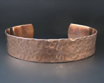 Men's 1/2 inch Wide Hammered Copper Bracelet / Gifts for him / Boyfriend gifts / Father's day gifts / Boyfriend Cuff / Gifts for Golfers