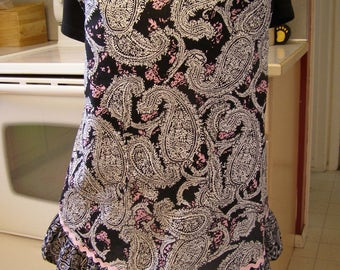 Plus size  Black and White apron