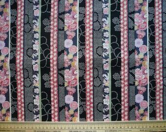 Tissu Japonais motif traditionnels en bande coloris rouge,gris,noir- 50 cm