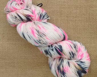 "Hand dyed British Bluefaced Leicester/nylon sock yarn in ""Cheerleader"""