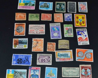 62 Guatemala stamps many old and amany mint