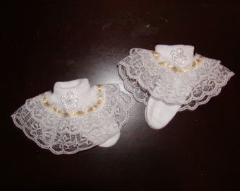 Girls White with Gold ribbon ruffle socks w/flower to match any dress or skirt. Sizes 0 Mon-6T