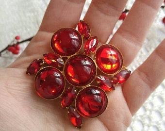 Vintage red rhinestone brooch pin gold tone ruby cabochon Juliana D & E style broach jewelry