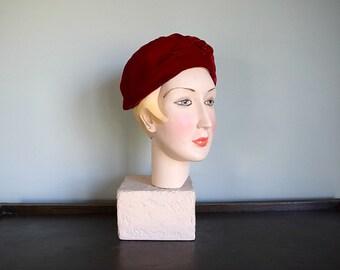 1930s 1940s turban . vintage 30s 40s red velvet hat