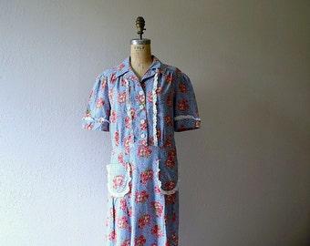 1930s 1940s dress . vintage floral print volup dress