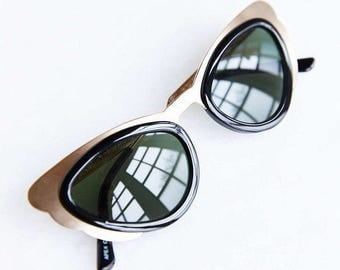 Vintage looking Rose Gold Cateye Sunglasses