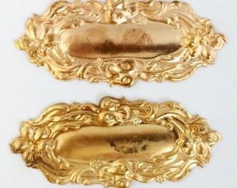 Brass Stamping, Victorian Style, Brass Centerpiece, Vintage Jewelry Supplies, Raw Brass, Brass Blank, Bsue Boutiques, 41 x 93mm, Item09603