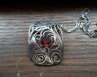 Ornate Sterling Silver Garnet necklace