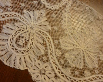 "EXTRAORDINARY Antique VALENCIENNES Bobbin Lace Flounce Yardage.. 5.5"" Wide by 96"" Pineapples"