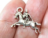 15% OFF - 8 Knight on Horse Charms Antique Silver Tone 2 sided - CH454