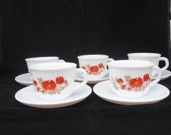Vintage Set of 5 Coffee Cups and Saucer, Arcopal Coffee Cups and Saucer, Arcopal Poppy Design Coffee Cups