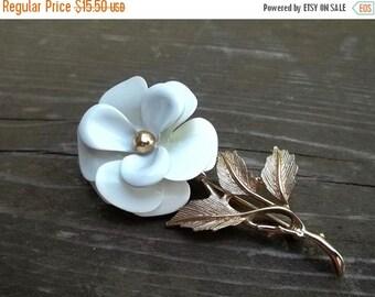 Avon White Enamel Stemmed Flower Brooch Pin Vintage Signed