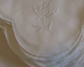 Gorgeous French, set of twelve scalloped edge serviettes, napkins. Classic French country chic