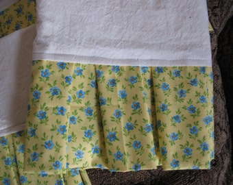 Set of Four Muslin Tea Towels with Bright Yellow and Blue Roses