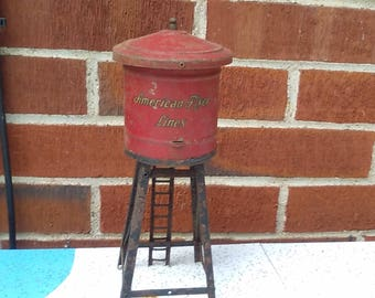 Vintage American Flyer Trains   'Water Tower ,  for parts or display  very old,, tin plate
