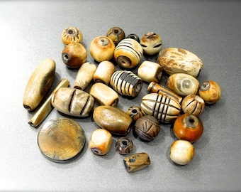 SUPPLY: 30 Mixed Rustic Chunky Horn Beads - Mixed Lot - Natural Beads - Jewelry Beads -  (6-A5-00007614)