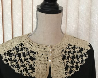 Vintage Crocheted Collar with tiny buttons to close