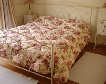 shabby chic,French quilt,lush roses,padded quilt, boutis, bedcover,220 x 230 or 90'' x 86''