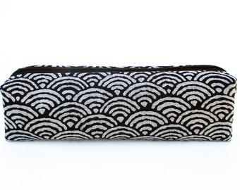 Pencil case Chinami/make-up bag with japanese design Seigaiha. Japanese fabric 100% cotton. Storage bag, cosmetic bag, pencils bag